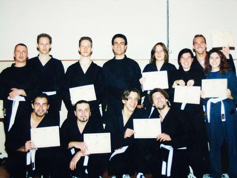 consegna diplomi primo corso kali - 2000